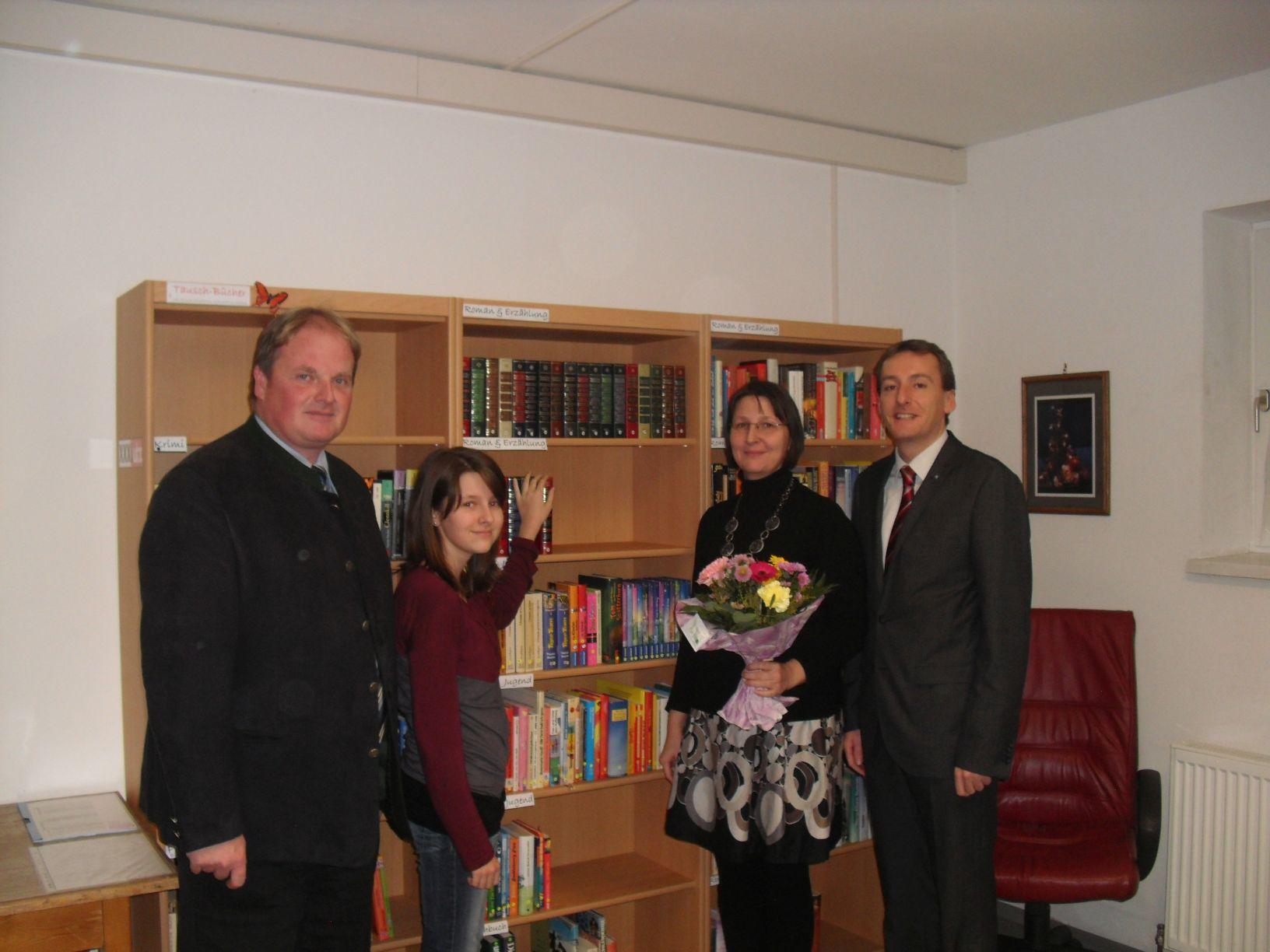 1. Mühlfelder Büchertauschbörse